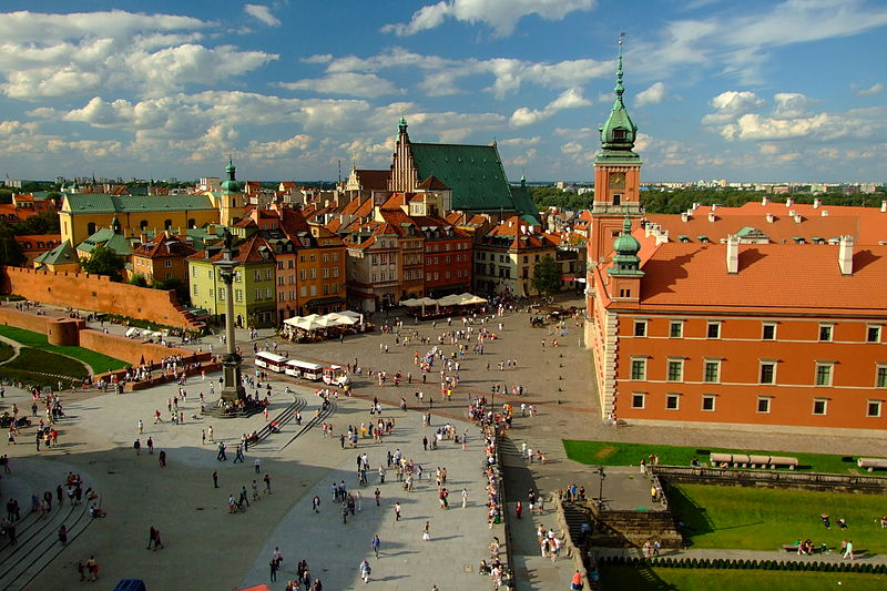800px-Warszawa_widok_na_Stare_Miasto